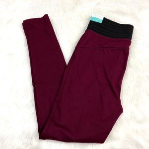 🌞Maurices NWT Plus Maroon Skinny Leggings Pants